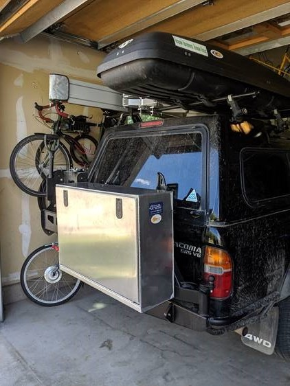 Aluminum box for truck swing arm