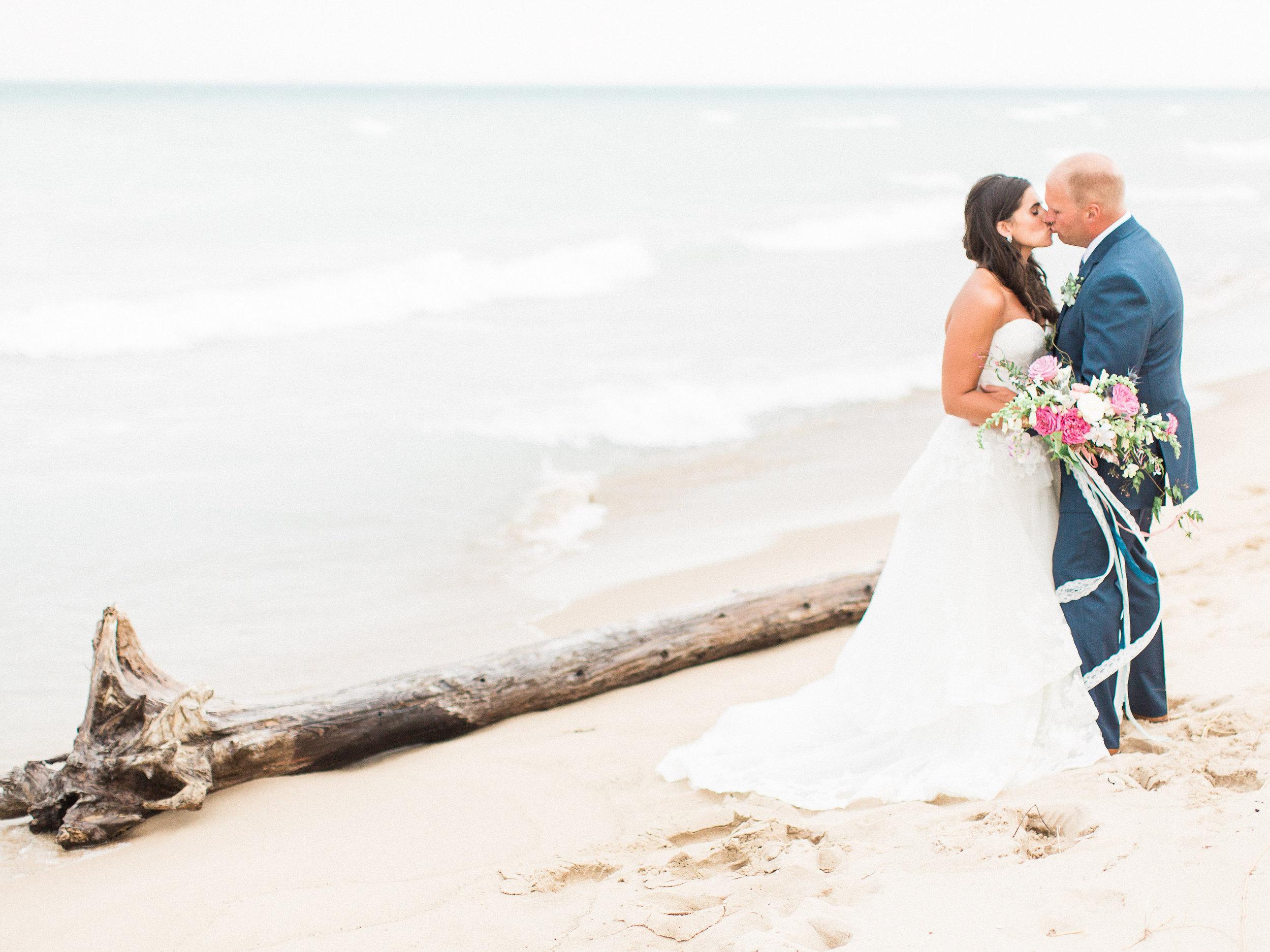 ERIC AND HALLIE WEDDING-HI RESOLUTION FOR PRINTING-0718.jpg