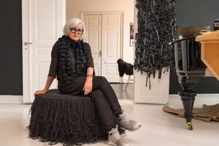 62-årige Annemette Beck arbejder med franske modehuse og New York-arkitekter, der ikke kender Janteloven og genkender sig selv i hendes æstetik