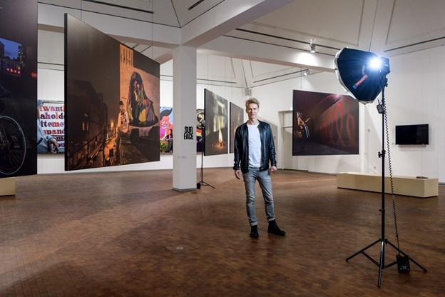 NORDJYSKE er gået tæt på stjernefotografen Søren Solkær og den kunstscene han lige nu portrætterer på Utzon Center