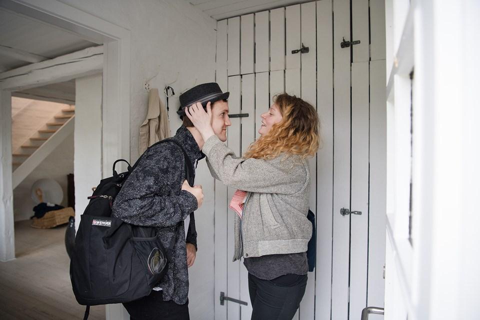 Skuespillerne Nanna Skaarup Voss og Elliott Crosset Hove alias Julie og Hamlet kører parløb i mere end en forstand. NORDJYSKE har mødt dem til en ærlig snak om at jonglere parforhold og karriere.
