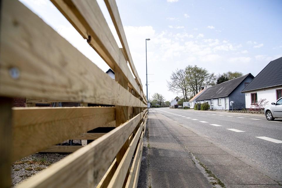 En by i Jammerbugt bliver betegnet som Nordjyllands wild west, og de kan ikke slippe af med ryet. Men der er muligheder i det, mener lokalt bysbarn. Se hvilken by her.