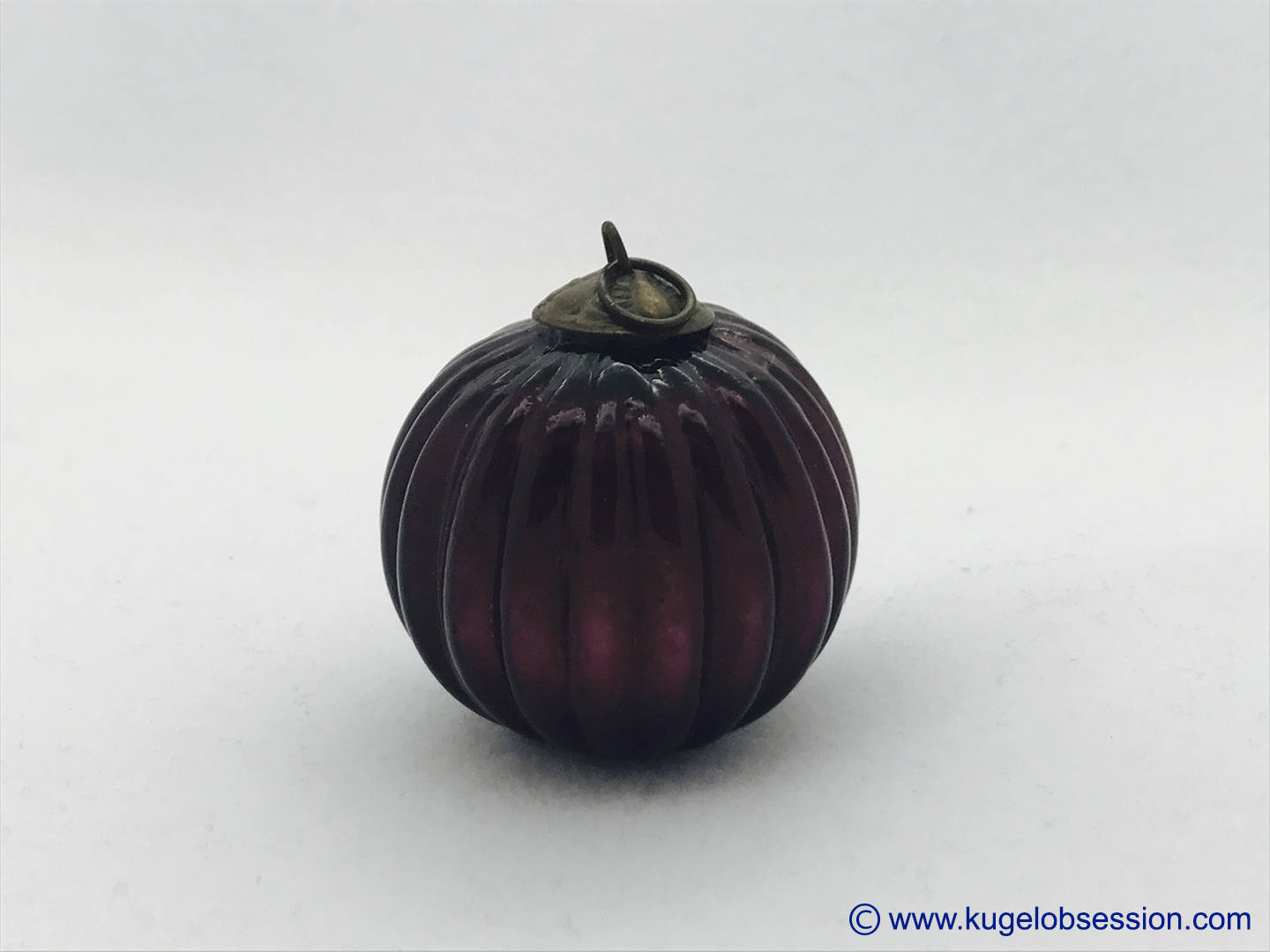 "FOR SALE 1.75"" amethyst ribbed round (G-105)"
