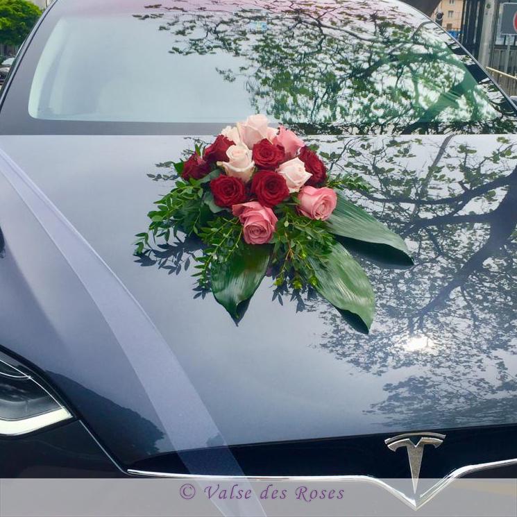 Hochzeitsauto_Dekoration_Valse-des-Roses.jpg