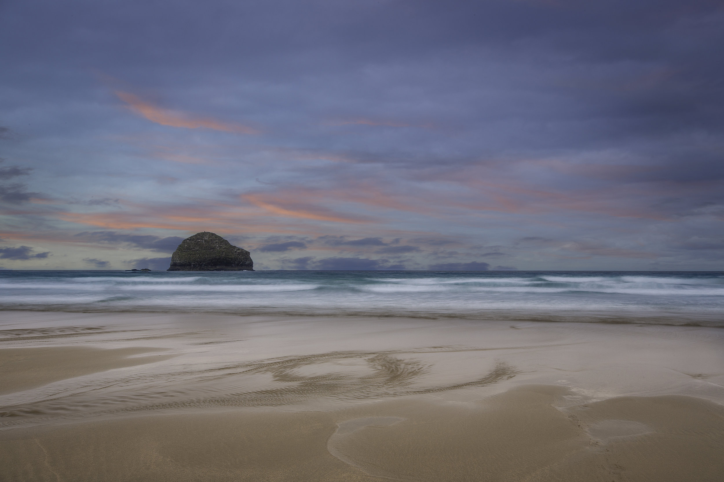 Gull Rock at Trebarwith Strand.jpg