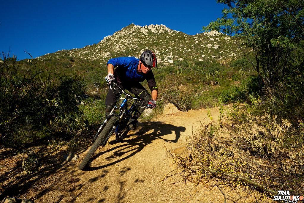 mountain-biking-la-paz-mexico.jpg