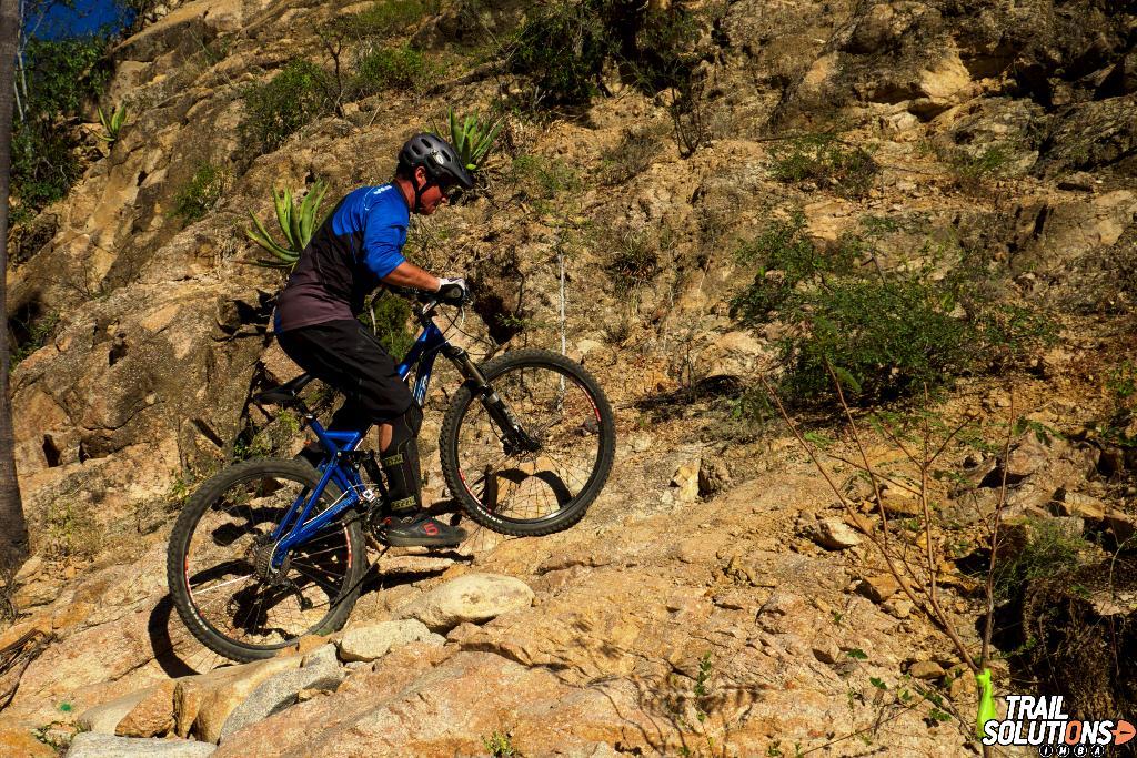 mountain-biking-la-paz.jpg