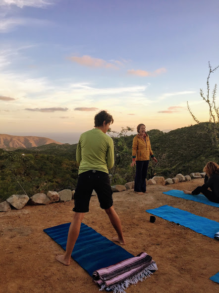 yoga-stretching-for-trail-running-don-diablo-run-camp-la-paz-mexico-march-2018.jpg