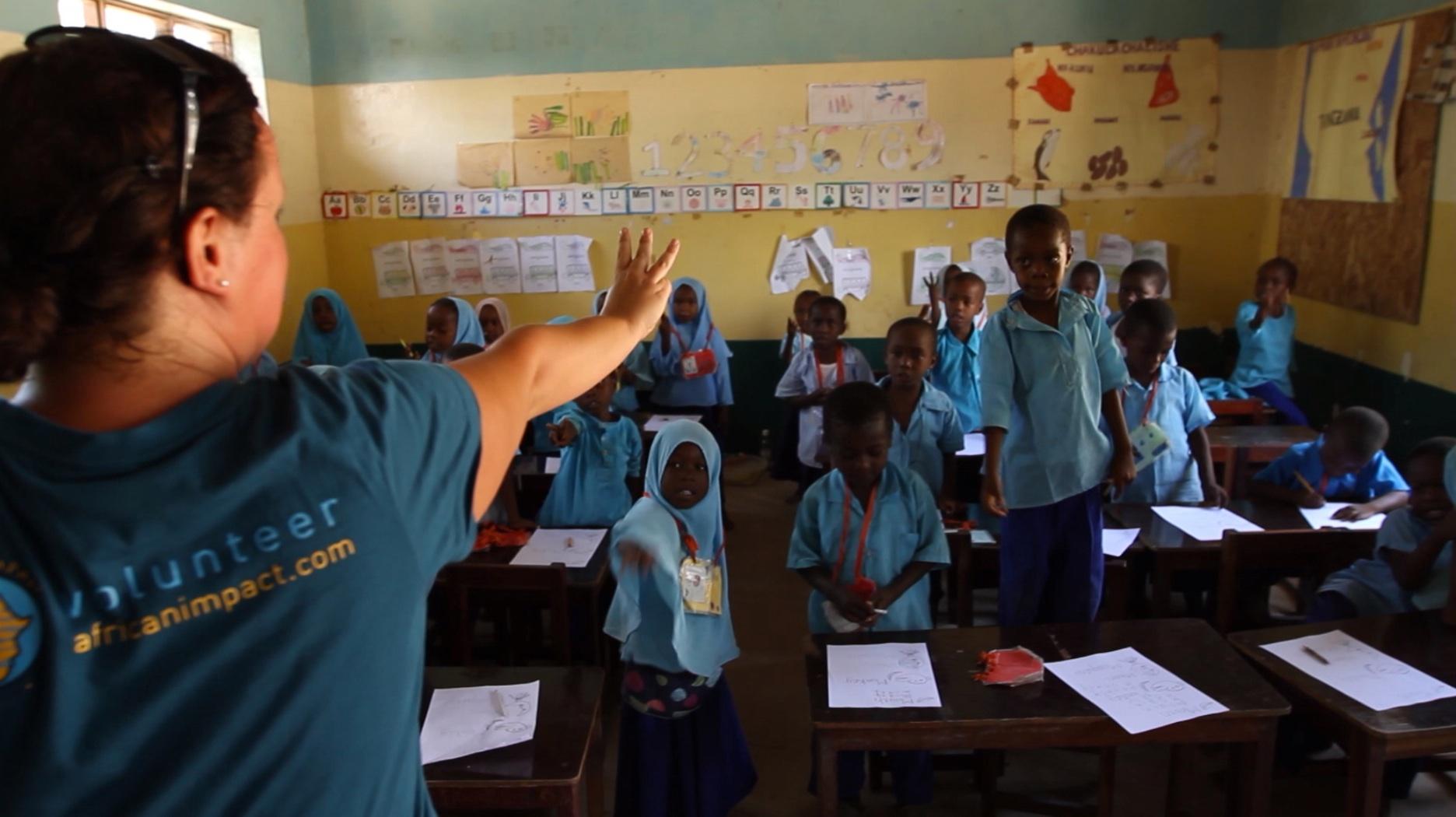 Volunteer - teaching a class in Zanzibar