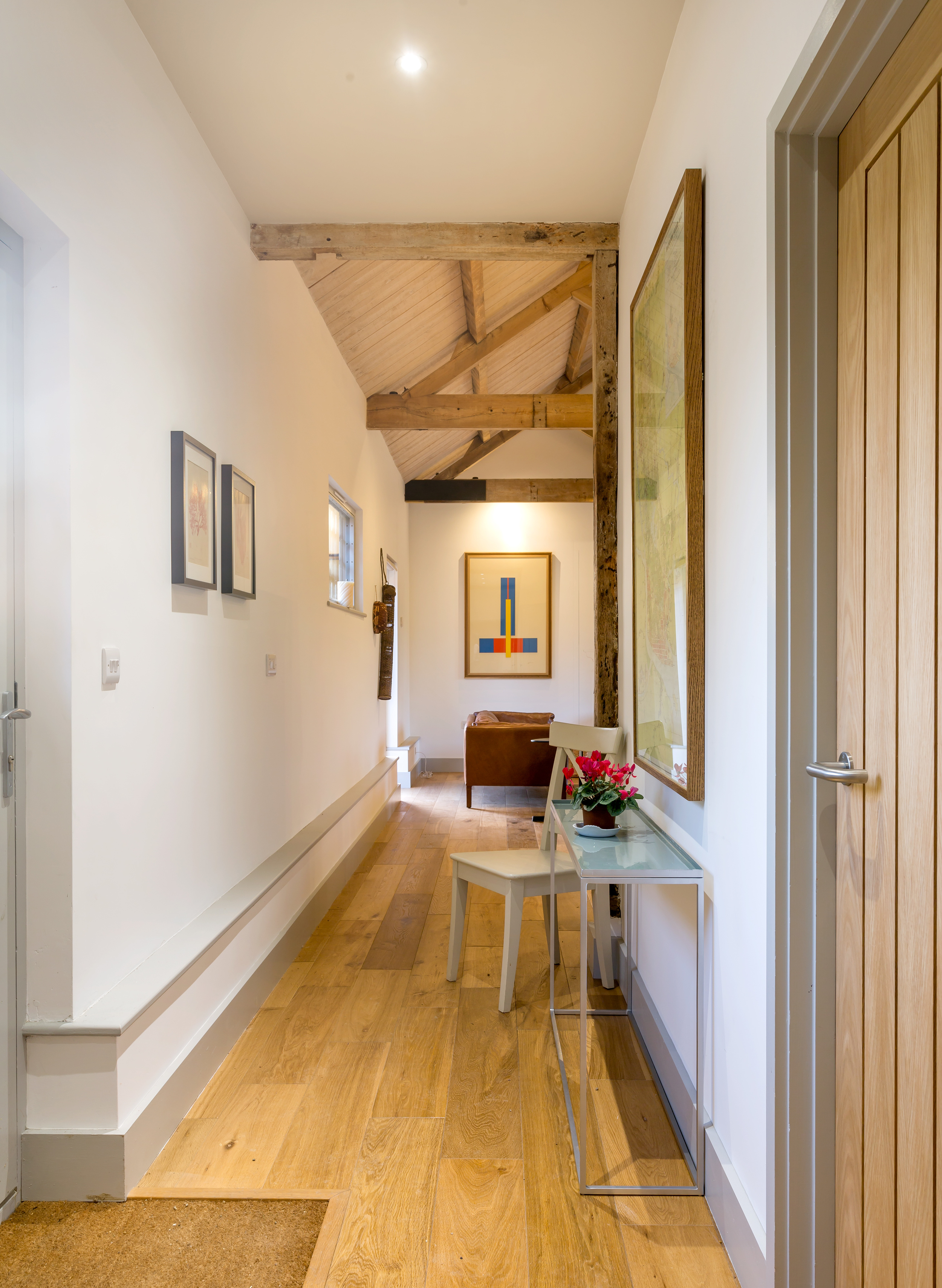 The Wagon House - Lordship's Barns - Hallway