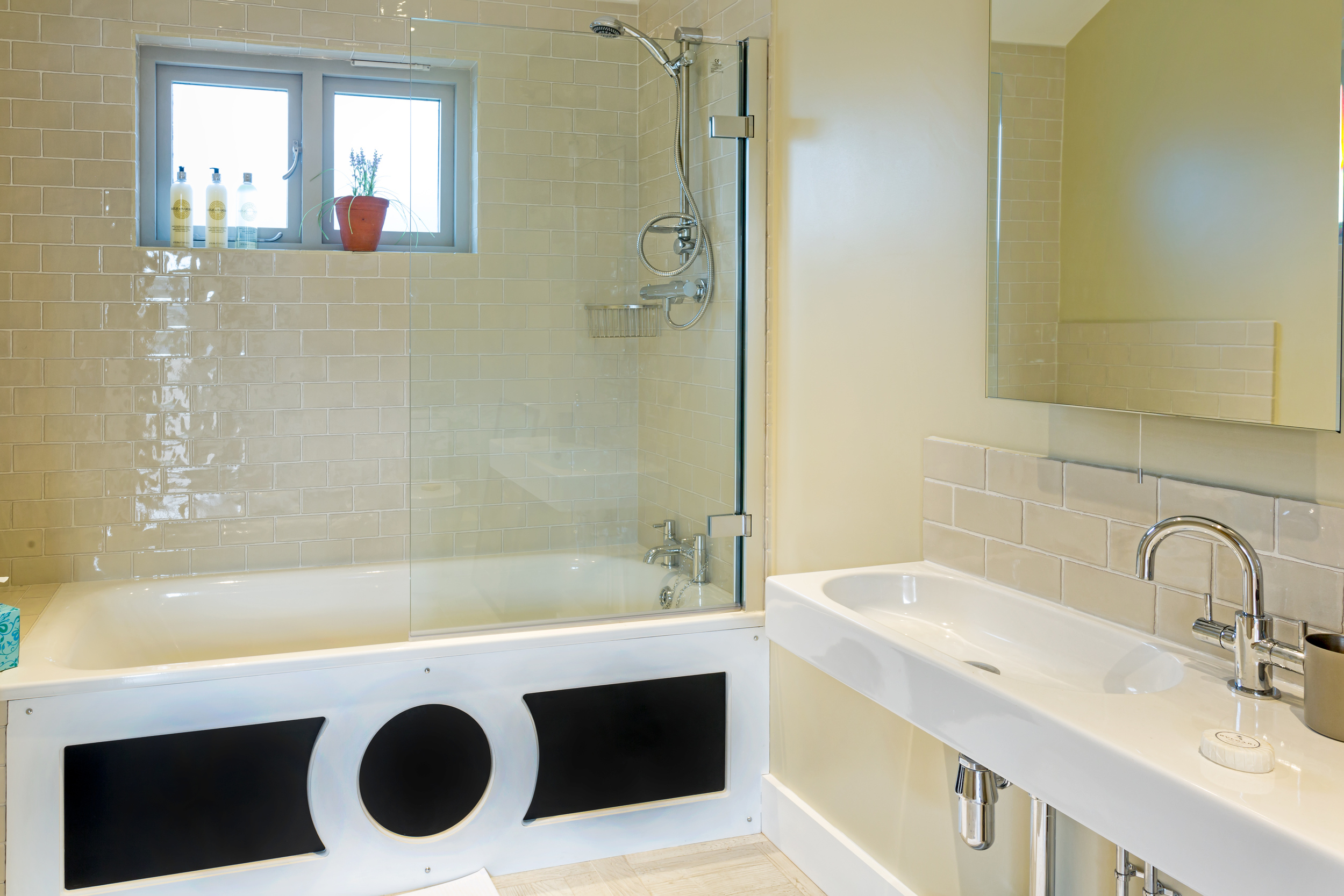 The Vineyard - Lordship's Barns - bathroom