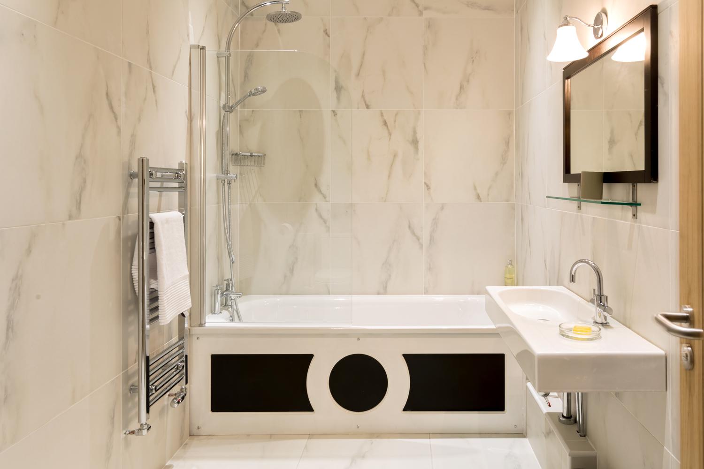 Unit-2-Bathroom.jpg