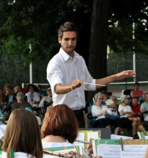 Jeremy Leidhecker Conducting