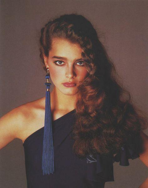 Brooke-Shields-by-Avedon-for-Versace-1980.jpg