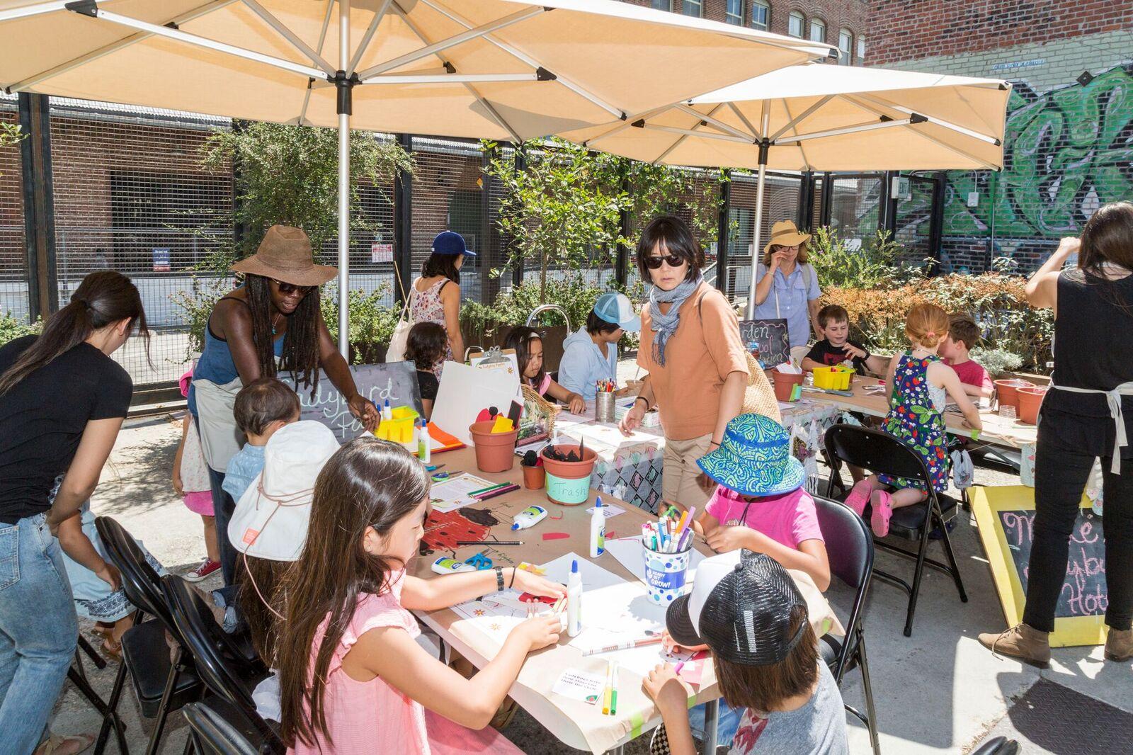 Family Garden Workshop, Hauser & Wirth Los Angeles, 20 August 2017 Courtesy Hauser & Wirth. Photo: Noé Montes