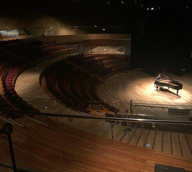 Craziest dystopian Costco I ever saw next to this beautiful venue. Happy 100th death, Debussy. 🖤 . . #all #debussy #program #piano #incheon #tribowlsongdo #벤킴 #ilovekorea