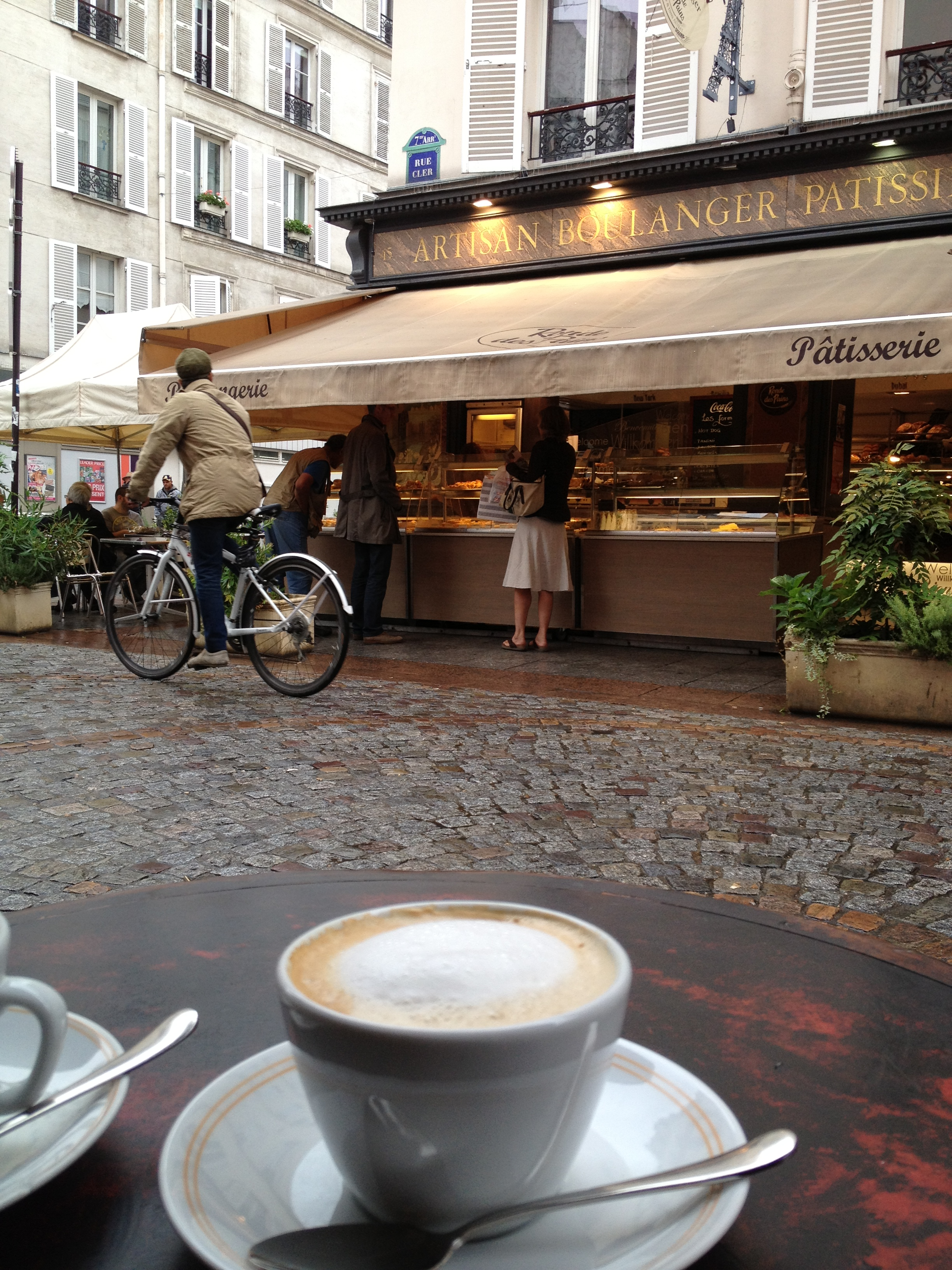 Cafe Central: Paris, France
