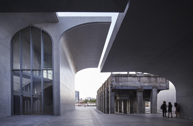 Long Museum - Atelier Deshaus