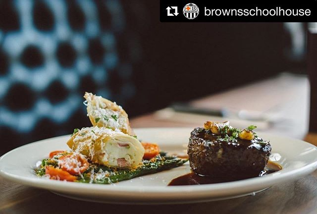 We have another NEW item on the menu that you HAVE to try that is available at our @brownsschoolhouse location! Our ancho chili coffee rubbed 7oz beef tenderloin is served with a crispy potato bacon roll, sautéed asparagus and cherry tomatoes with caramelized garlic jus! #newmenuitem #chefscorner #beeftenderloin #deliciousfood #mouthwateringfood #brownssocialhouse #brownsschoolhouse #coquitlam