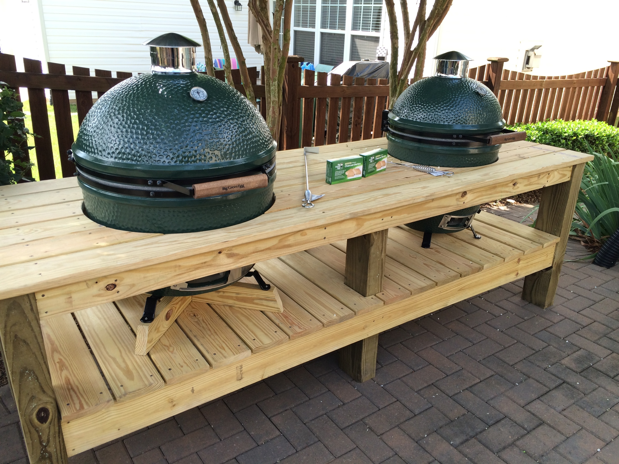 custom big green egg table