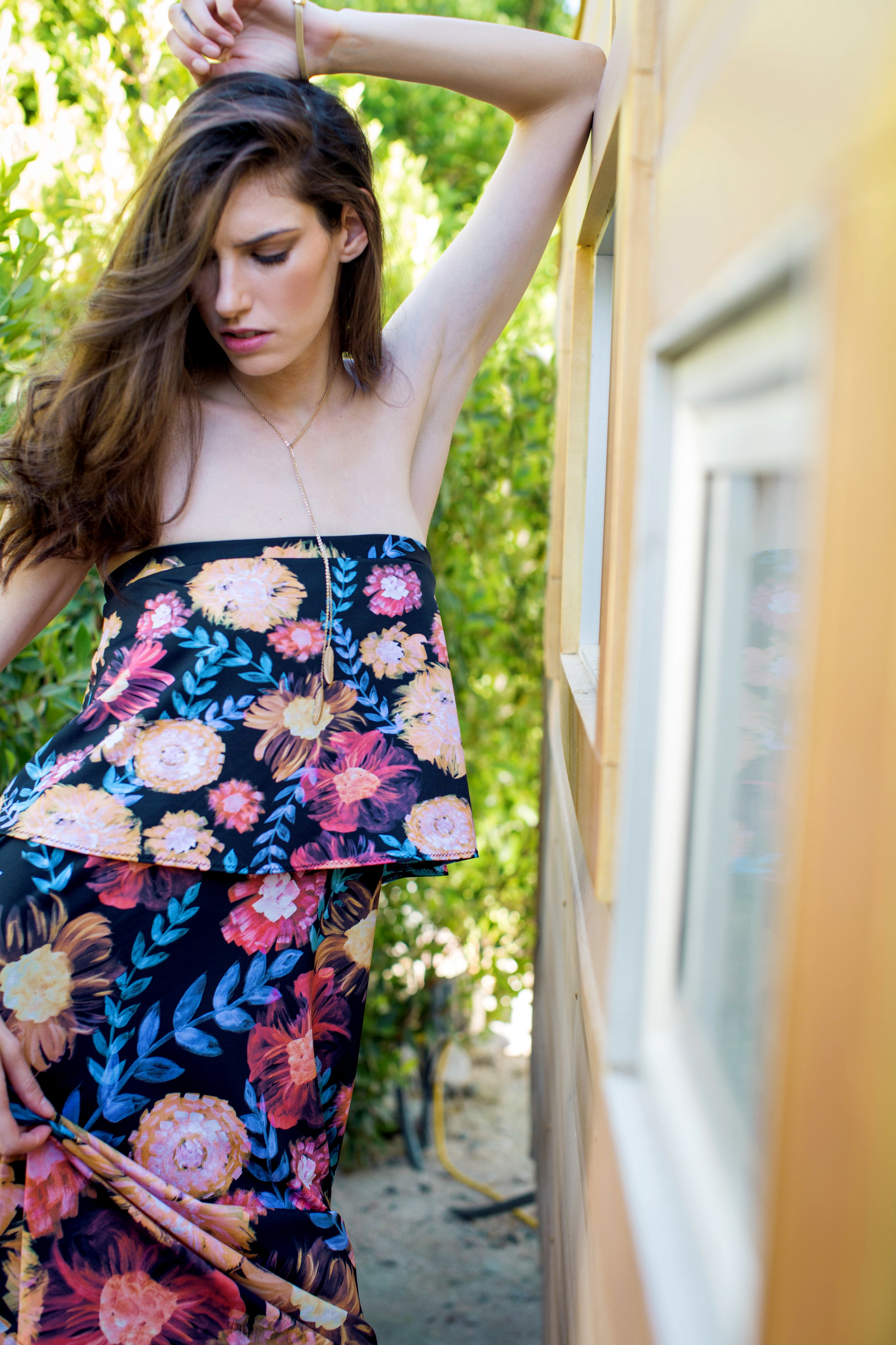CICI STRAPLESS DRESS IN PAINTERLY GHOST FLORAL PRINT