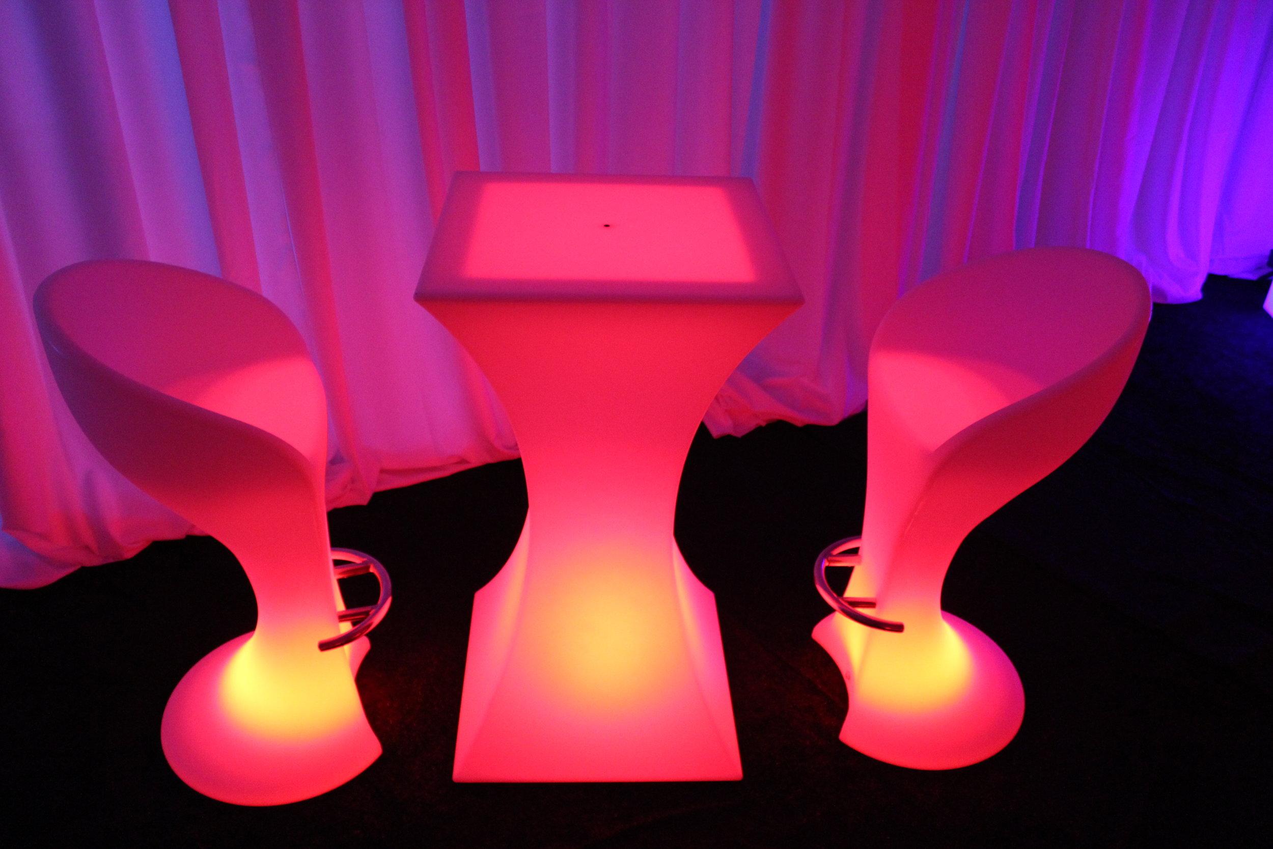acrylic furniture rentals