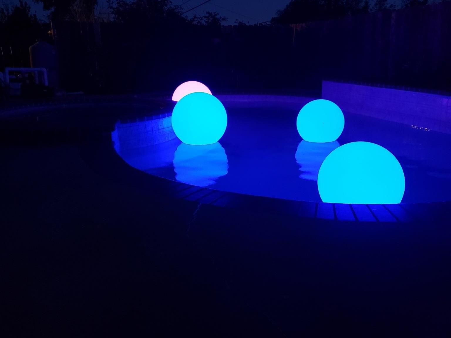 LED+Floating+Balls+2.jpg