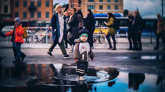 puddle kid in södermalm #stockholm #sweden #gh5 #cctvlens