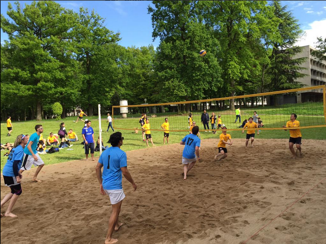 #10.  Beach volleyball heating up with matches between @cranfieldmngmt vs. @IEbusiness and @CambridgeMBA vs. @theESADEmba.  (via  HECParisMBA )