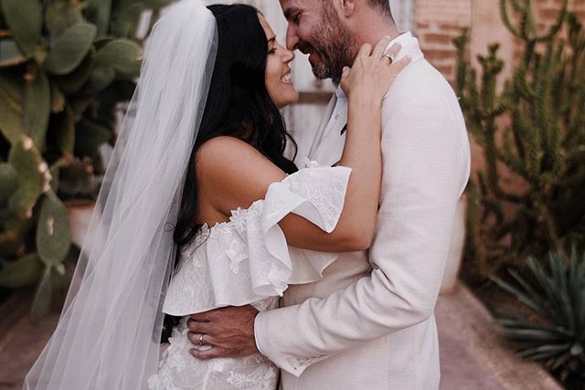 Thank god it's Fryday and almost wedding day again.  Planner: @cherryontopdxb Venue: @beldicountryclub Photo: @pablobeglez  #marrakech #marrakeshwedding #mydearmorocco #loveauthentic #weddinginspiration #beldicountryclub #cherryontop #fullcut #radlovestories #comeandhugme