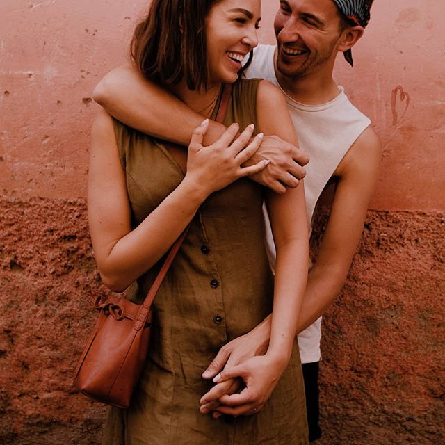 We really love spontaneous things, and the way we met @everydayhim_  and @everydayher_ over on a really hot day in Marrakech with our friend @luistenza as good example of it. Such a cool and nice couple😍😘 #marrakechmedina #marrakeshelopement #marrakeshwedding #engagement #fullcut #destinationvideographer #weddinginspiration #weddingvideo #weddingvideographer #dirtybootsmessyhair
