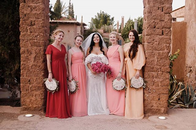 Tanya and the girls seconds away of the start of the ceremony!  Planner: @cherryontopdxb Venus: @beldicountryclub Photo:@pablobeglez  #marrakech #marrakeshwedding #mydearmorocco #loveauthentic #weddinginspiration #beldicountryclub #cherryontop #fullcut #radlovestories #bridesmaids