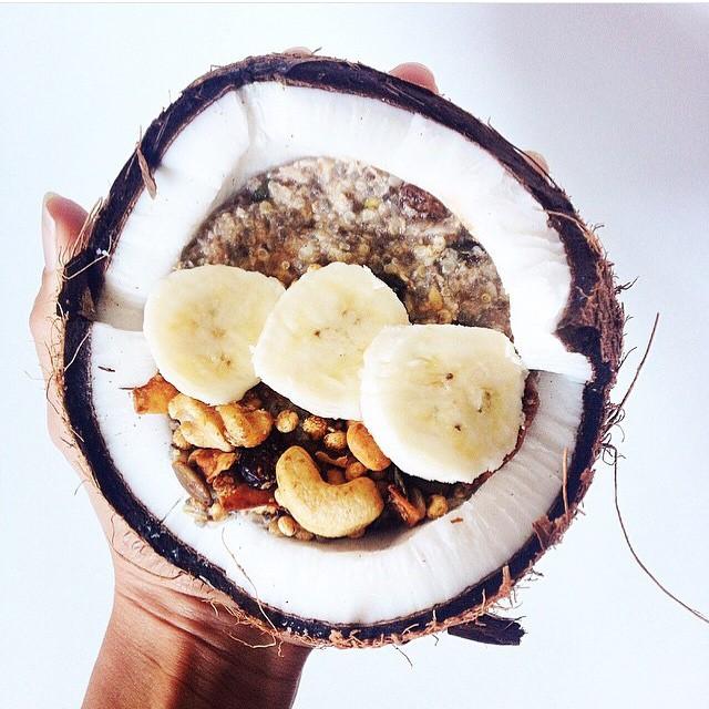 Sunday treat! 🌿🌰✨ #raw #vegan #gf #organic #breakfast #sogood