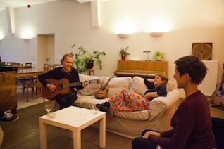 www_gitaar_zithoekbijpianoBLC20140927_227 kopie.jpg