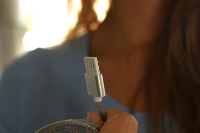 Lifestyle silver USB 1429x1080.jpg