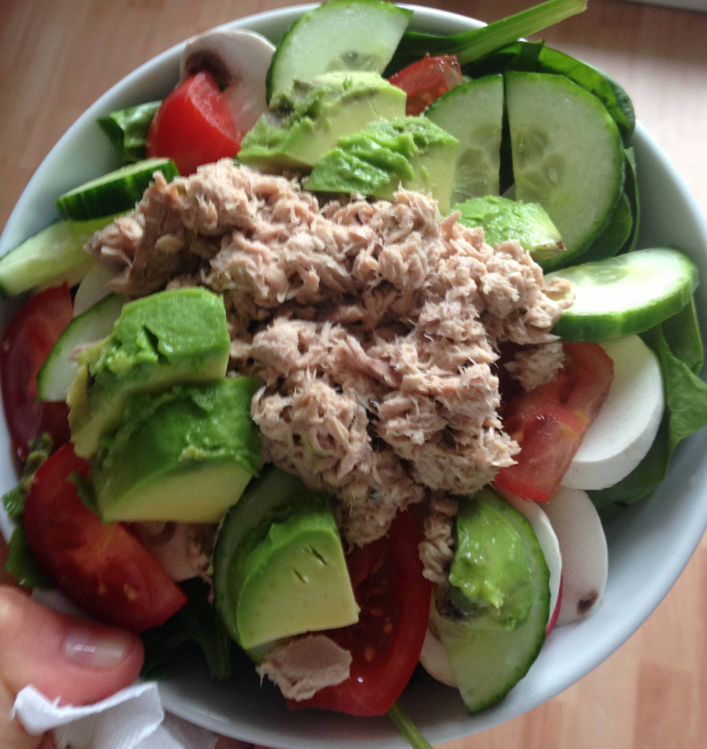 This salad was fabulous with the basamic dressing (Tuna, spinach, tomatoes, mushrooms, cucumbers)
