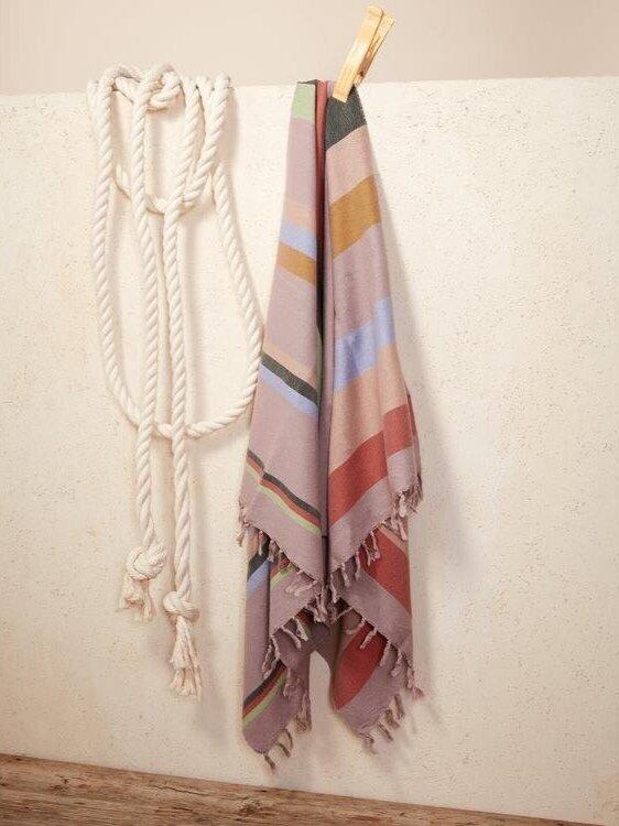 sustainable-beach-towel