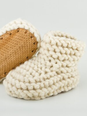 Sustainably Chic | Sustainable Fashion & Lifestyle Blog | The Best Sustainable Baby Gifts | Slipper Booties from Chilote.jpeg