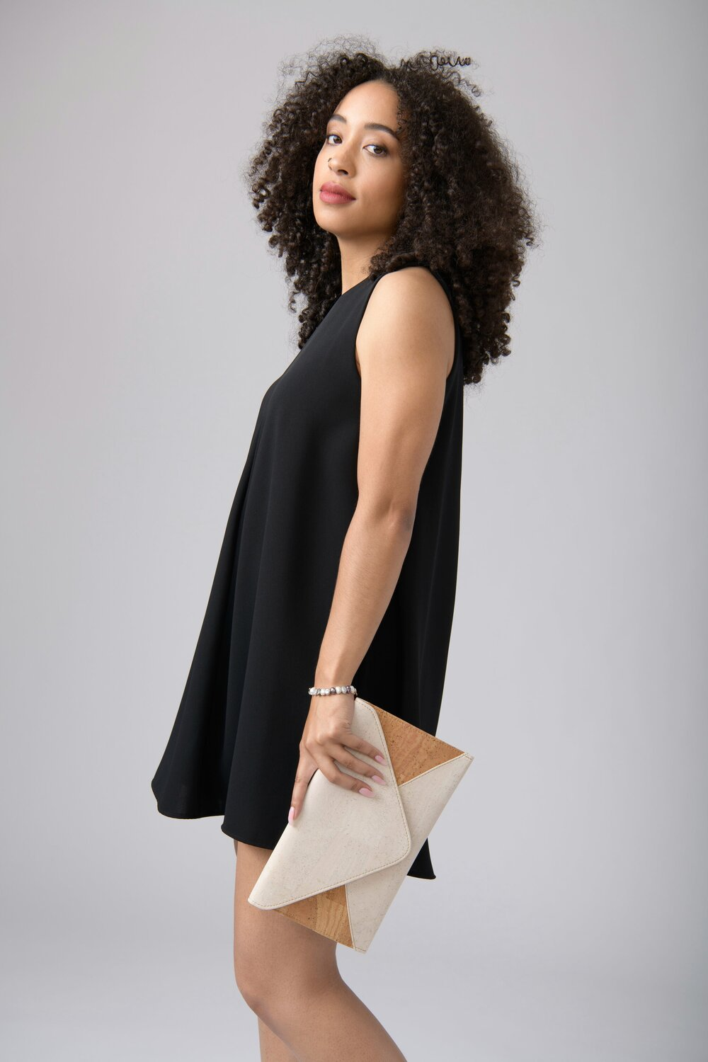 Sustainably Chic | Best Sustainable Fashion Blogs | Sustainable Eco Friendly Ethical Gifts for Vegans | Tiradia Cork.jpg
