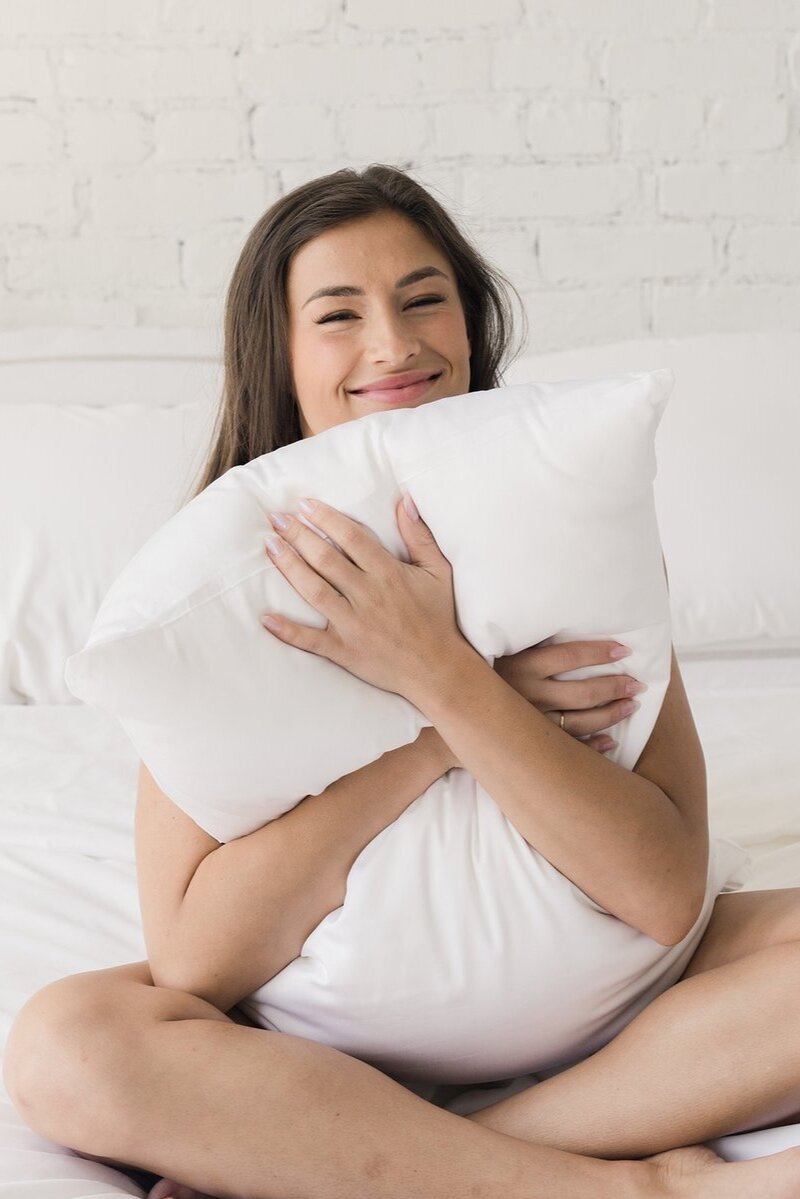 Sustainably Chic   Sustainable Fashion & Lifestyle Blog   The Best Sustainable Pillows   Cozy Earth.jpg