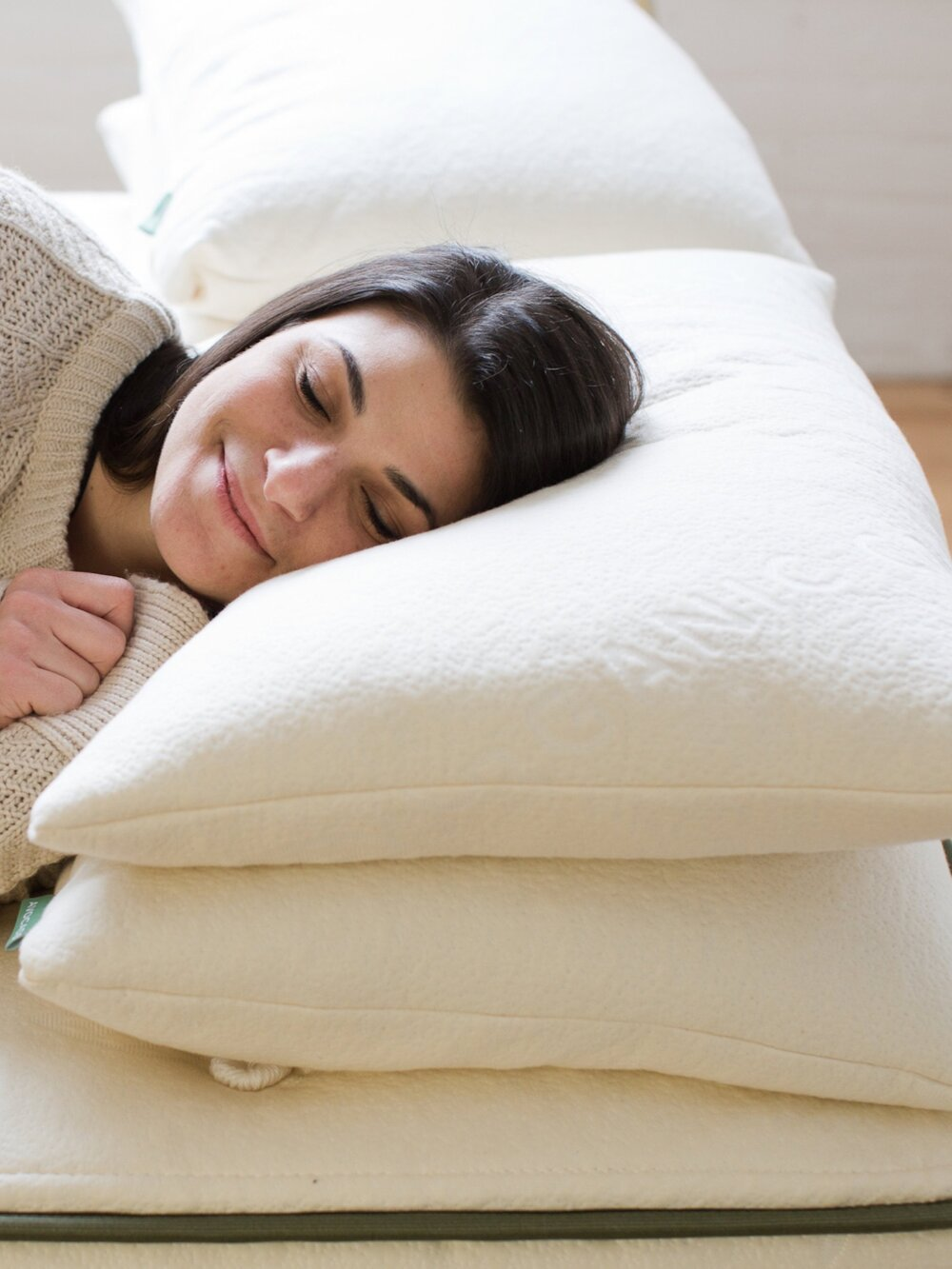 Sustainably Chic   Sustainable Fashion & Lifestyle Blog   The Best Sustainable Pillows   Avocado.jpg