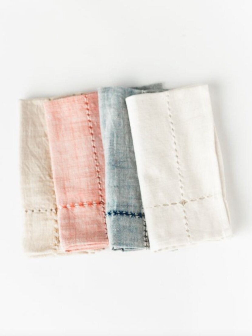 Sustainably Chic | Sustainable Fashion & Lifestyle Blog | The Best Sustainable Reusable Cloth Napkins | Creative Women.png