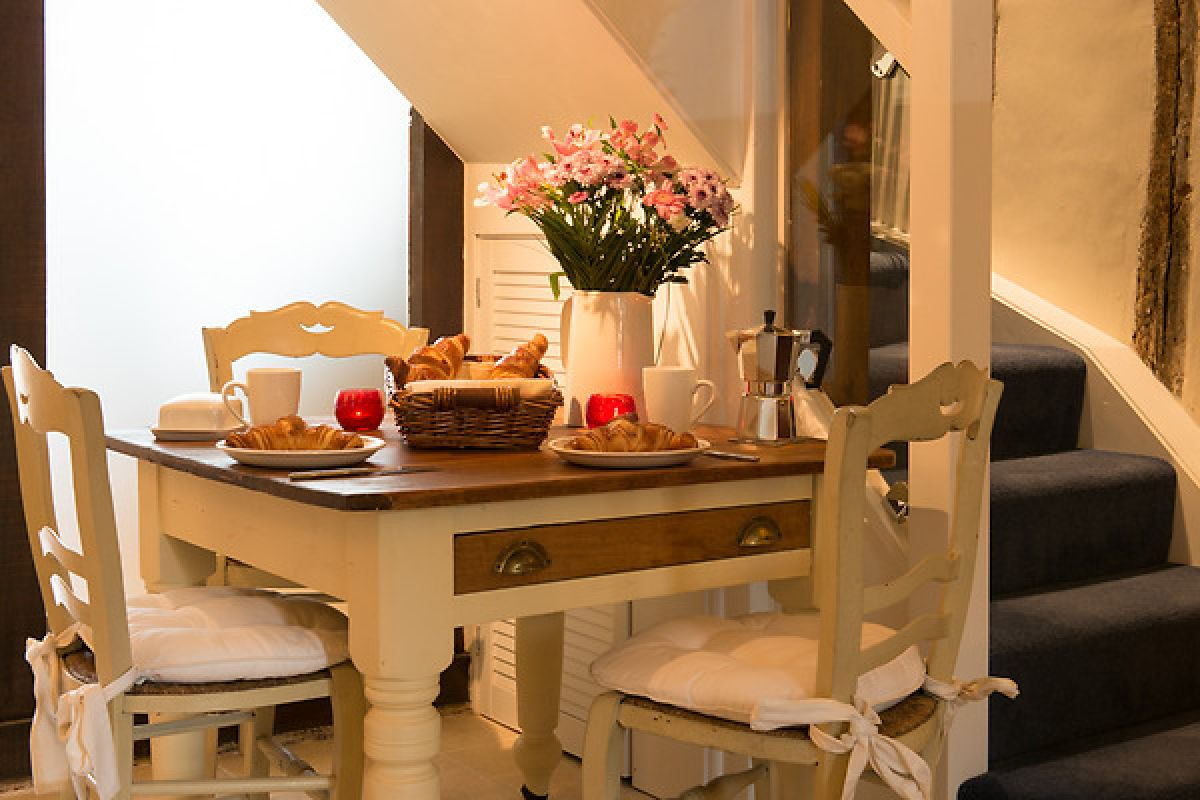self-catering-holiday-cottage.jpg