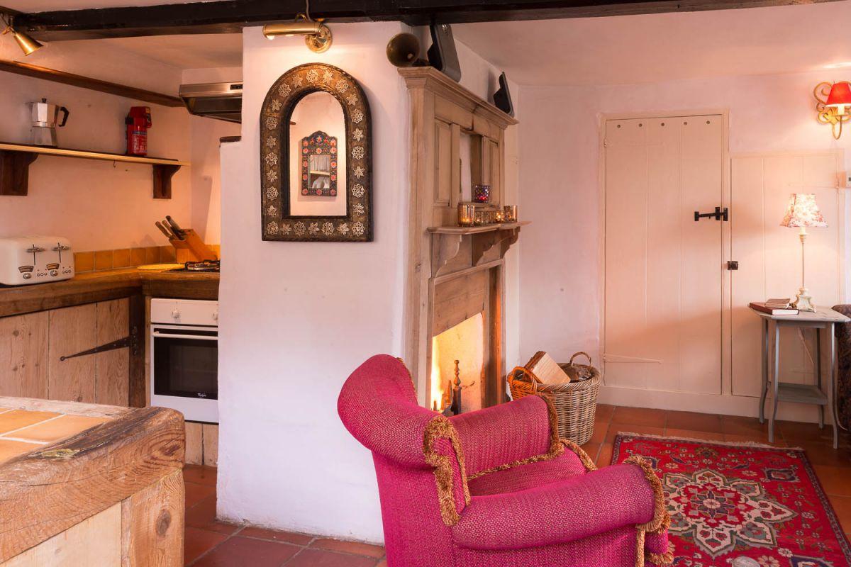 romantic-character-cottage-Suffolk.jpg