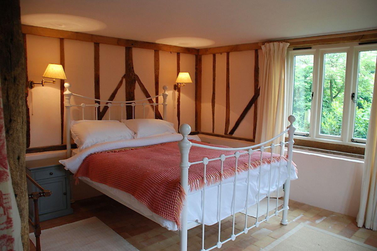 romantic-double-bed.jpg
