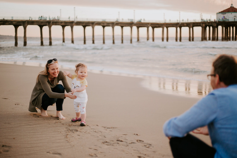 victoriavelasteguiphotography_manhattan_beach_family_session-17.jpg