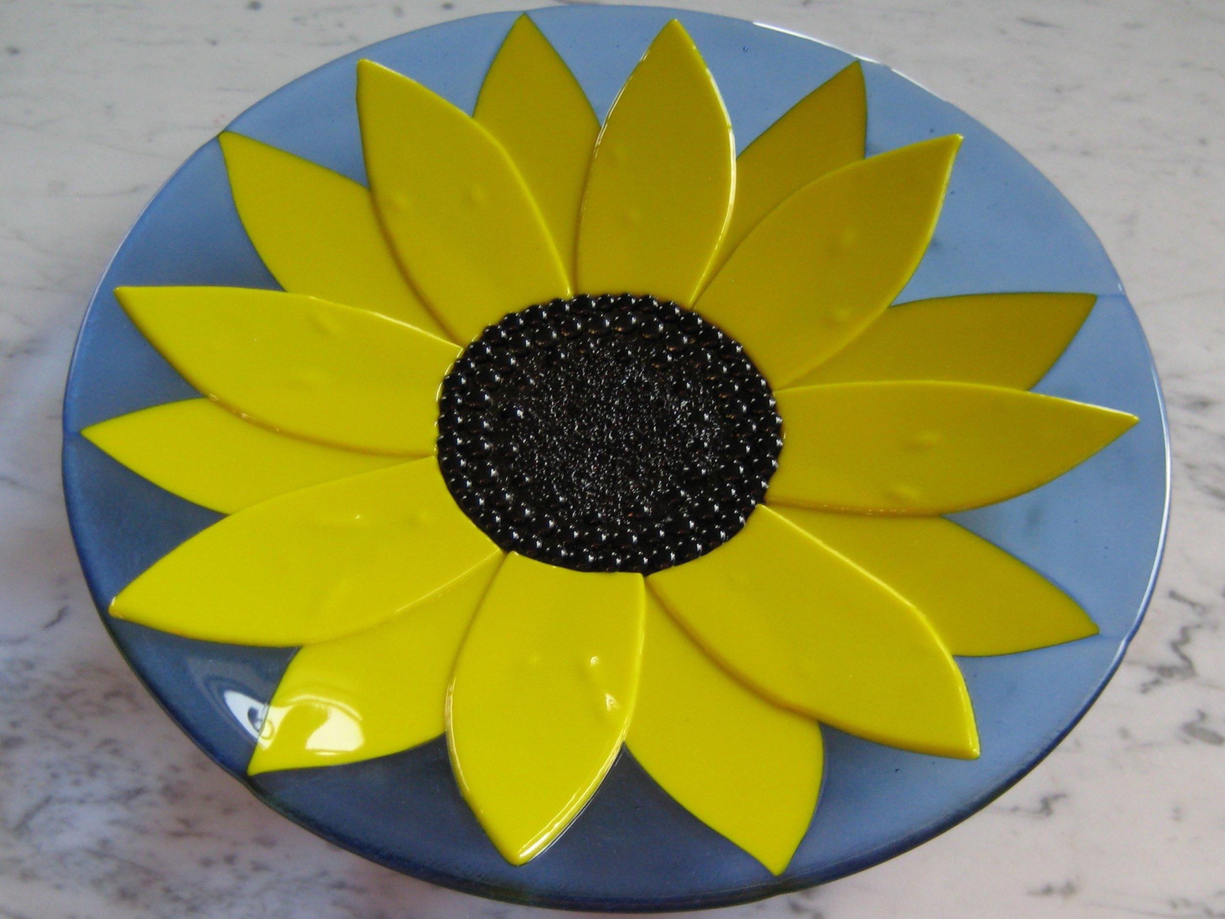 Trio Sunflower Glass Bowl IMG_0124.JPG
