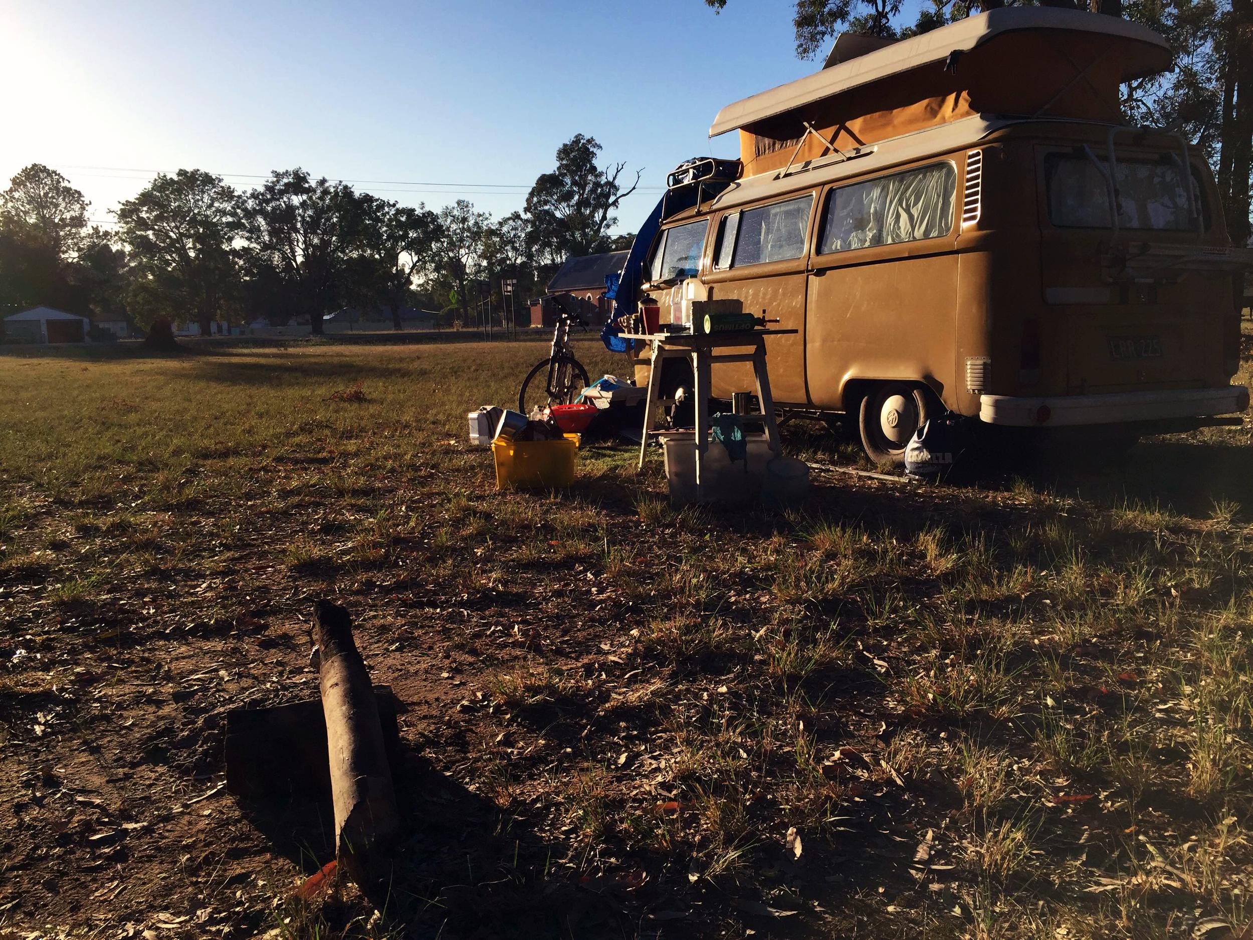 Free camping, morning sun & breakfast