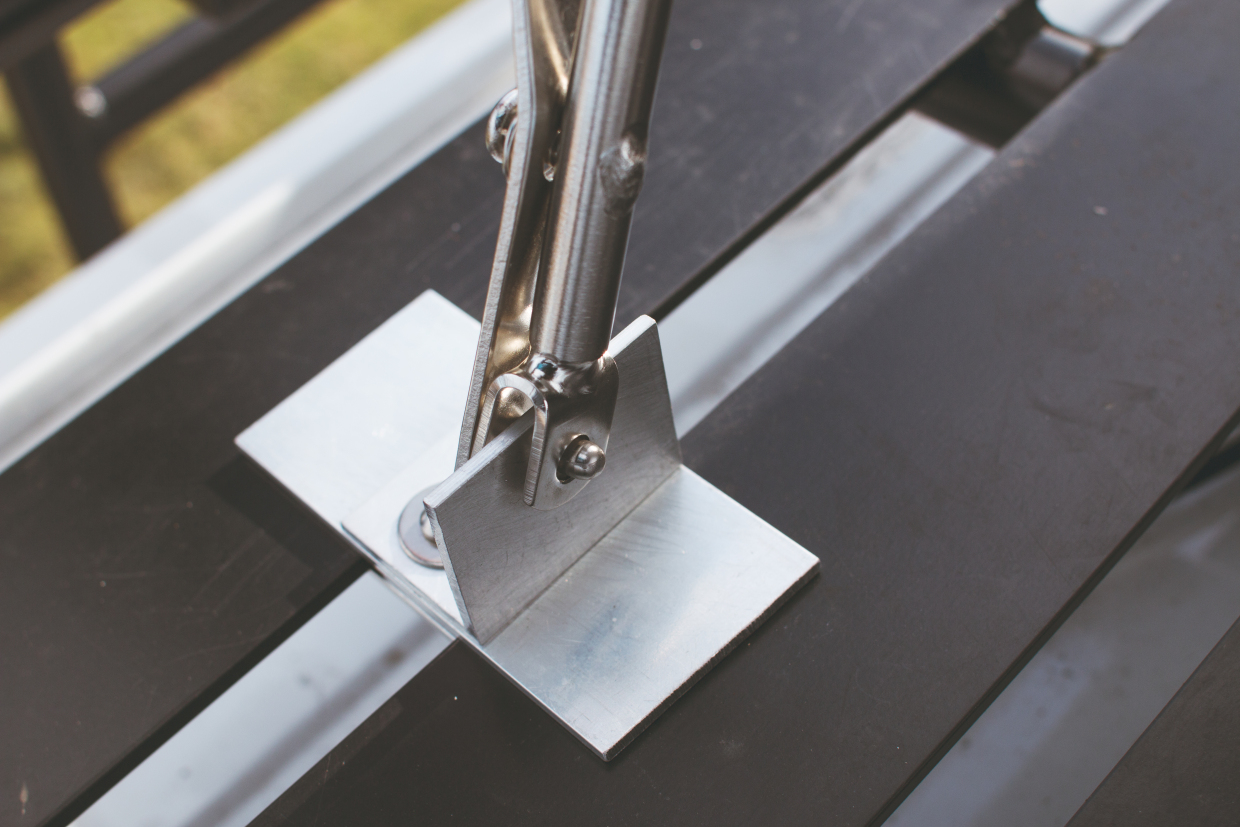 This photo shows the clip-in mechanism Shane installed.