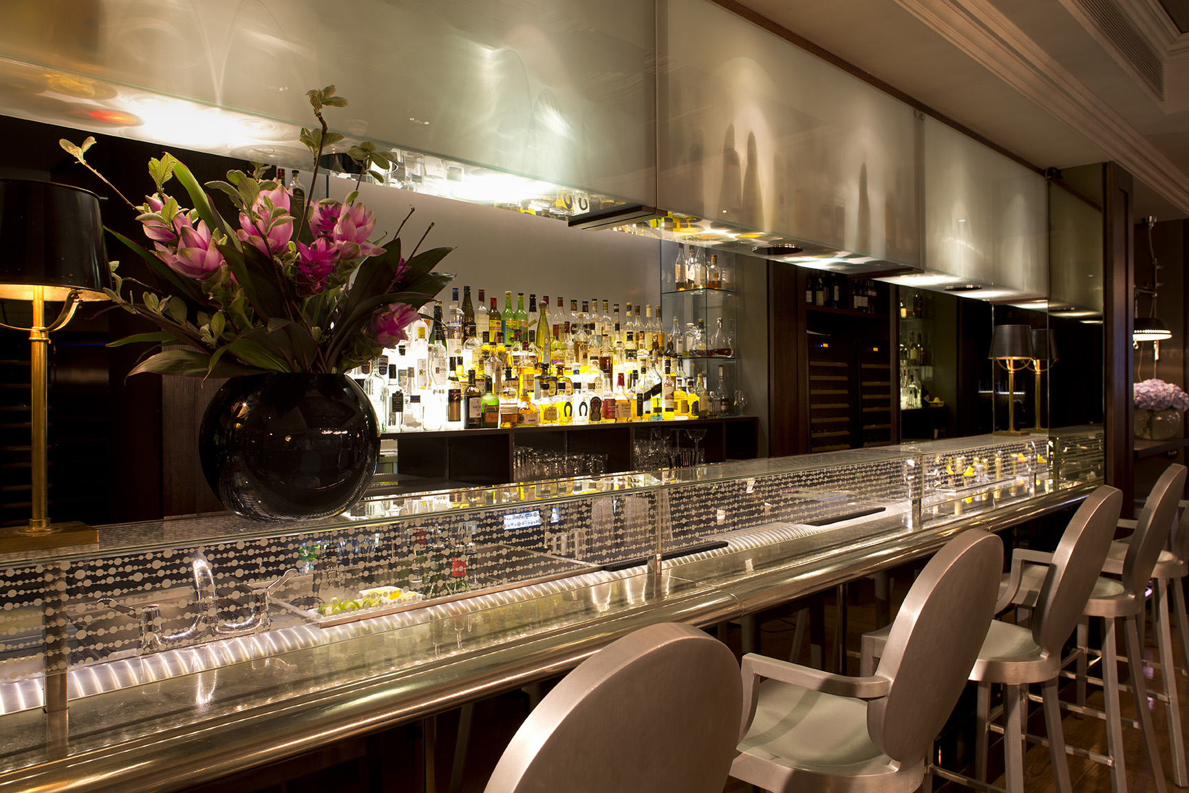 The-Bar-Closeup-The-Arch-London.-Photography-must-be-credited-to-The-Arch-London-Copy1.jpg